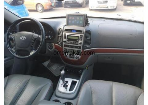 Hyundai Santafe out for sale