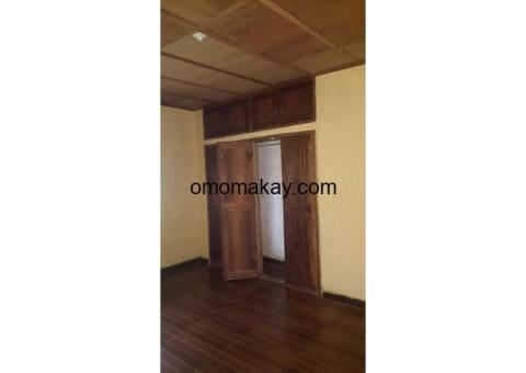 Three bedrooms apartment for rent.