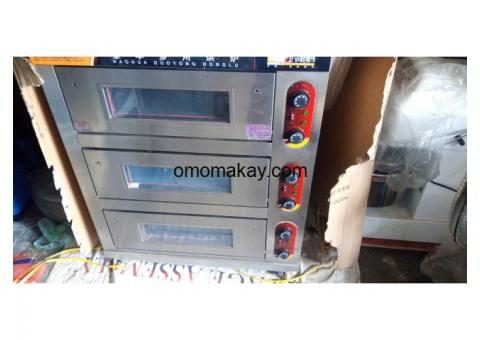 ELECTRIC  3 DECK 3 TRAY COMMERCIAL OVEN